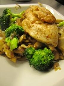 Kylling og woket grønnsaker